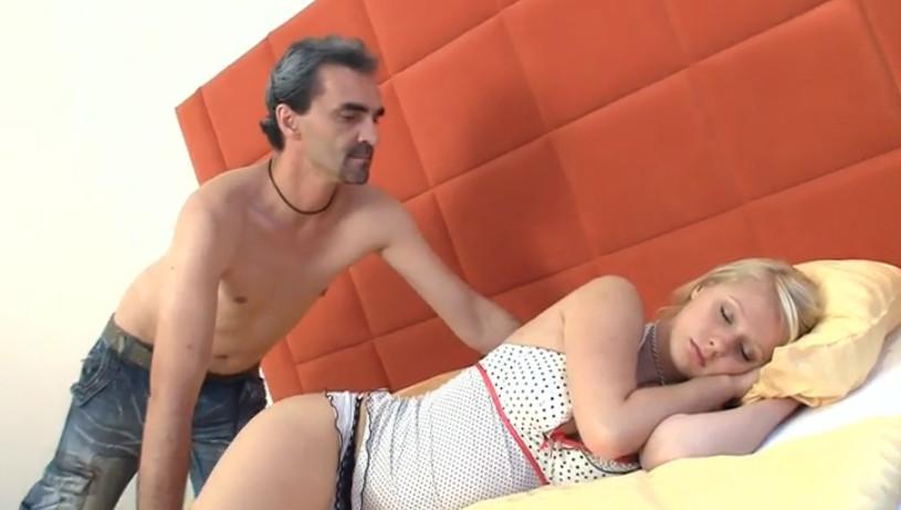 Порно со спящими смотреть онлайн на ПорноБерлога.com